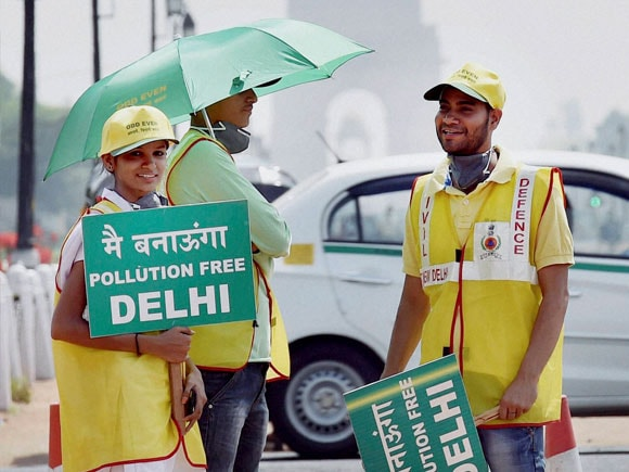 Delhi Odd Even Rule, Second Phase Odd Even Delhi, Odd-Even Rule, Odd-Even Rule in Delhi, Odd-Even Scheme, Odd-Even Formula, Odd-Even Rule India, Second Phase of Odd-Even Rule, second phase odd even numbers, second phase odd even discards, second phase odd even rule, delhi odd even formula, delhi odd even scheme, Delhi Odd Even, Kejriwal, Arvind Kejriwal, Arvind Kejriwal CM of Delhi