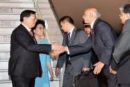 Zhang Dejiang  with wife Xin Shusen being welcomed by Anoop Mishra
