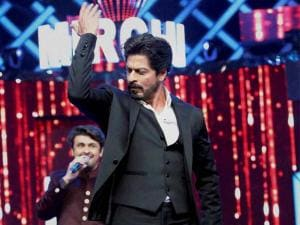Shahrukh Khan performs during the 8th Mirchi Music Awards in Mumbai