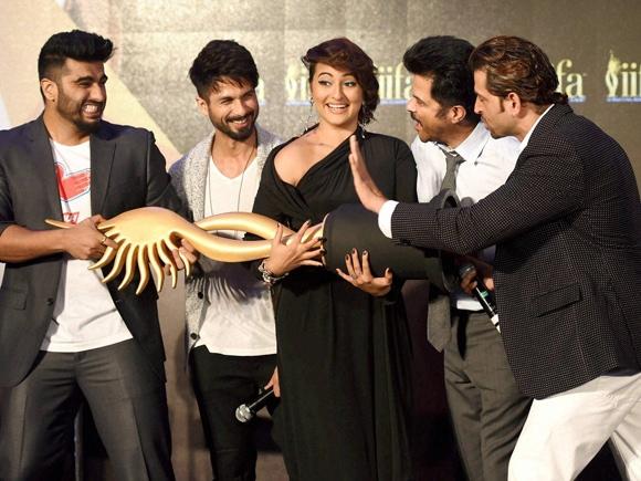 Arjun Kapoor, Shahid Kapoor, Sonakshi Sinha, Anil Kapoor, Hrithik Roshan, IIFA, Mumbai