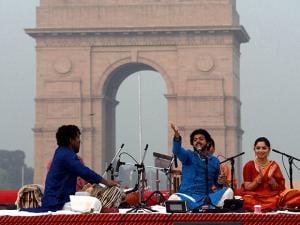 Classical singer Mahesh Kale with Sonalee Kulkarni