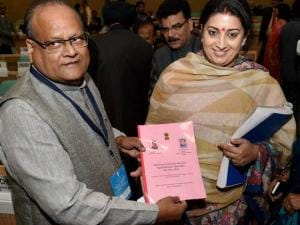 Smriti Irani with Education Minister of Rajasthan Kali Charan Saraf during the Consultation meeting with States Government on Teacher Education