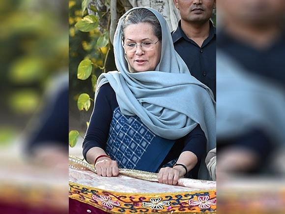 Chadar, Khwaja Moinuddin Chishti, Congress, Sonia Gandhi, Ajmer