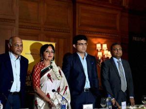 Former cricketer and CAB President Saurav Ganguly, Mammen Chandy, Director and Geeta Gopalakrishnan, Hon. Director-Donor Relationships, Tata Medical Centre, Suresh Gopinathan Menon, Vice President