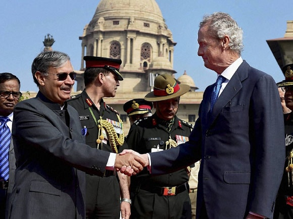 Minister of State for Defence, Rao Inderjit Singh, Spanish Defence Minister,  Pedro Morenes