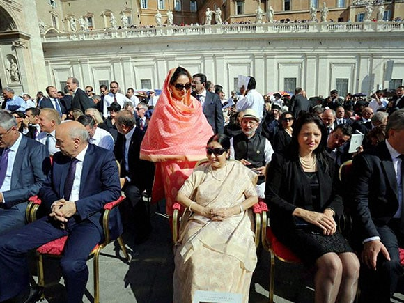Mother Teresa, canonization ceremony, Harsimrat Kaur, Sushma Swaraj, Vatican City