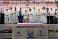 Sushma Swaraj, UN Secretary General Ban Ki-moon, his wife Ban Soon-taek, Sri Sri Ravishankar