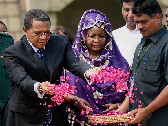 President of Tanzania, Jakaya Kikwete, Foreign Minister of india, Sushma Swaraj, India, Tanzania, Mahatma Gandhi, Rajghat, New Delhi, Salma