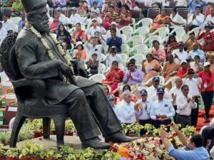 Cyrus Mistry, Chairman of Tata Group pays homage to founder of Tata_Steel Jamsetji Nusserwanji Tata on his 177th birth anniversary in Jamshedpur