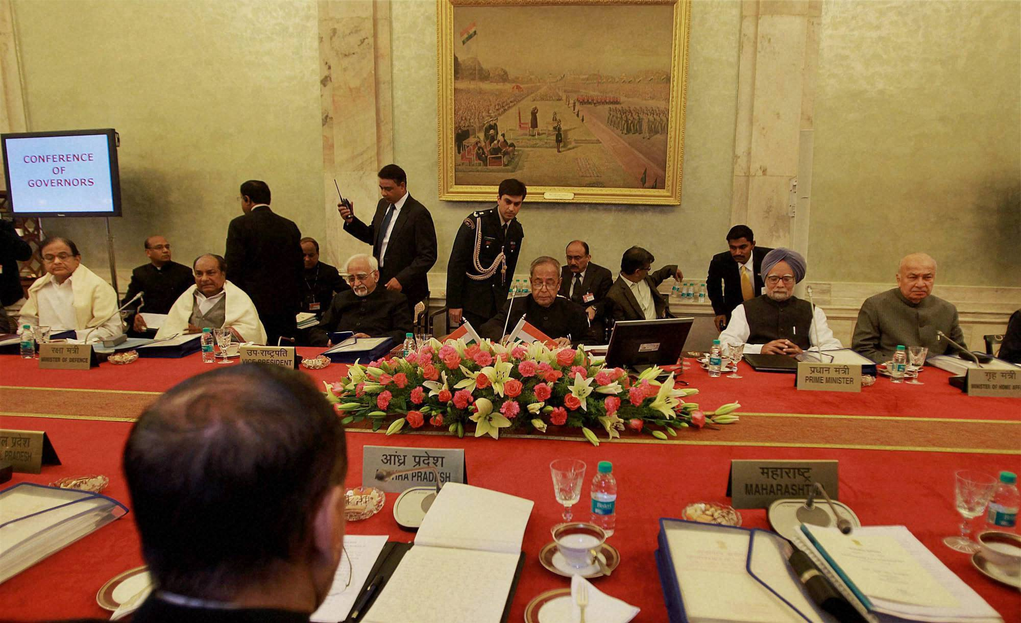 Governors' conference, cabinet ministers, Manmohan Singh, Pranab Mukherjee, Sushil Kumar Shinde