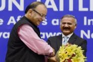 Arun Jaitley being welcomed by Director CBI, Anil Kumar Sinha