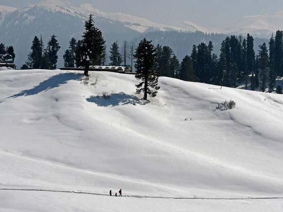 Gulmarg, Gulmarg Ski Resort, Ski Resort, Ski, Jammu and Kashmir Tourism, Tourist, Tourism, Baramulla, J&k, 2016