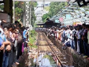 Commuters stranded at Thane railway station for hours due to delay in local train