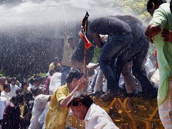 Delhi CM,  Arvind Kejriwal, Turkman Gate,  AAP,  BJP,  Congress, BJP Worker, Delhi