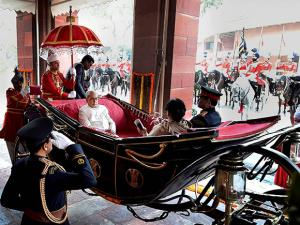 President Pranab Mukherjee arriving in a buggy  to address the joint session of Parliament on the first day of Budget session