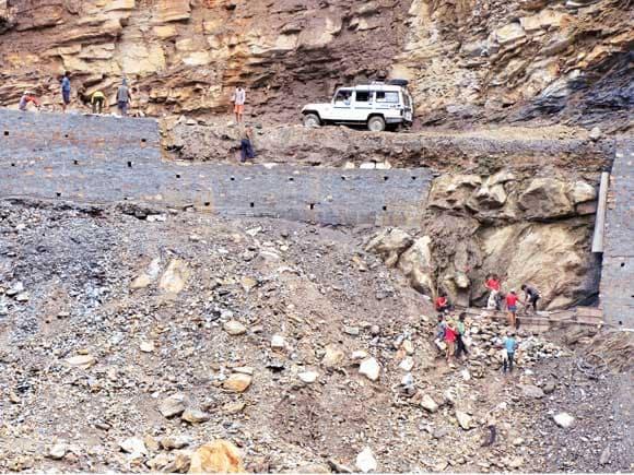 landslide, roads, Uttarakhand,