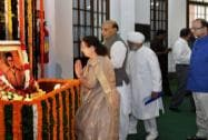 Rajnath Singh, Arun Jaitley, Sumitra Mahajan pay tribute to Veer Savarkar on 132nd birth anniversary