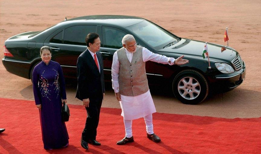 Prime Minister, Narendra Modi, Vietnamese, counterpart, Nguyen Tan Dung,wife, Tran Thanh Kiem, ceremonial, reception, Rashtrapati Bhawan