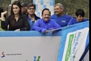 Union Minister for Health and Family Welfare Harsh Vardhan with actors Mandira Bedi and Kriti Sanon