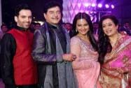 Shatrughan Sinha with son Luv, daughter Sonakshi, wife Poonam
