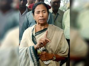 West Bengal Chief Minister Mamata Banerjee adddresses the media on demonetization issue