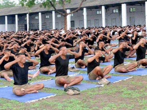 Army personnel, Yoga, World Yoga Day, International Yoga Day, India Gate, Rajpath, MCD, New Delhi, Raisina Hill