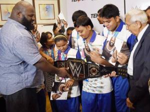 WWE Superstar Mark Henry arrives in India