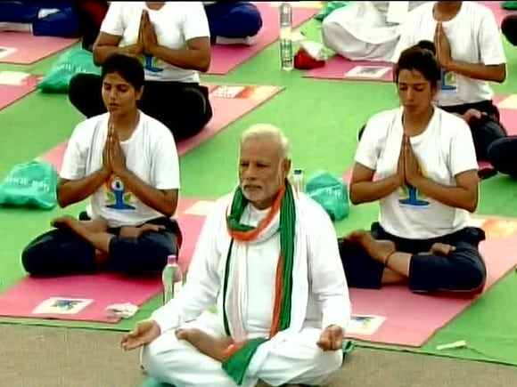 Narendra Modi, yoga