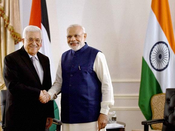 Narendra Modi, Mahmoud Abbas