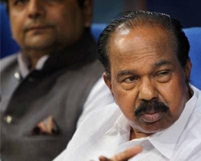 <p>New Delhi: Union Corporate Affairs Minster M.Veerappa Moily interacts with media in New Delhi on Monday.</p>