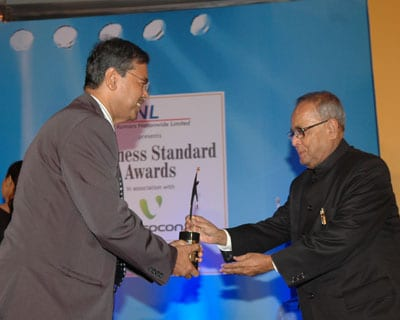 Areva T&D India Managing Director Rathin Basu gets Star MNC award. <P> <b>Picture by Suryakant Niwate </b> </P>