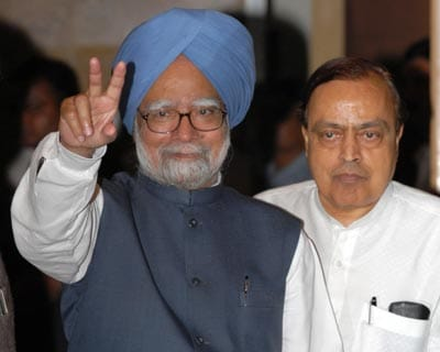 United Progresssive Alliance (UPA) wins the Lok Sabha elections, cornering as many as 262 seats to claim a simple majority. The victory marks the UPA's second consecutive term in office.