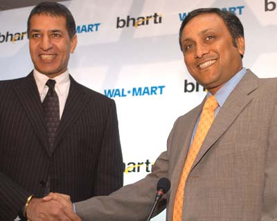 Wal-Mart, Bharti ink 50:50 joint venture
