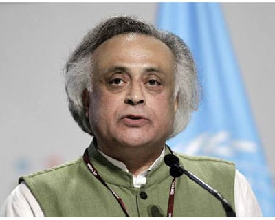 <p><b>India's Environment Minister Jairam Ramesh gives a speech during a plenary session at the Moon Palace, where climate talks are taking place, in Cancun</b>