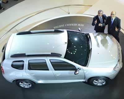 <p>MD & CEO of Maruti Suzuki Shinzo Nakanishi unveiled compact MPV &#39;Ertiga&#39;</p><p><b>Photo Credit: Sanjay Sharma</b></p>