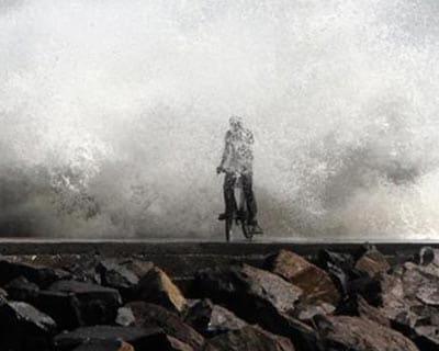 Cyclone Thane lashes southern coast