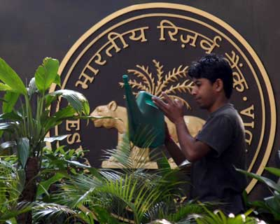 <p>A gardener watering plants outside the RBI headquarters</p><p><b>The next mid-quarter monetary policy review will be on March 15</b></p><p>The Annual policy on April 17 this year.</p>