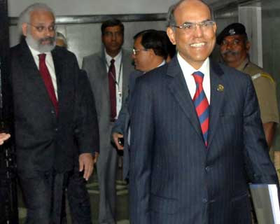<p>RBI Deputy Governor Subir Gokarn and Governor D Subbarao on his way to announce monetary policy in Mumbai today</p><p><b>GDP forecast brought down to 7% from 7.6% earlier.</b></p><p>The Governor stated further policy actions will look to reverse current policy rates and that the cut reinforces guidance to lower policy rates</p>