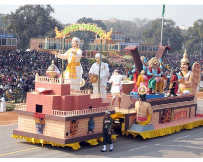 <p>The tableau of Assam passes through the Rajpath during the 62nd Republic Day Parade-2011, in New Delhi</p>