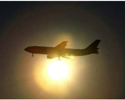 "<p>An aircraft is silhouetted against the setting sun as it prepares to land at Haneda airport in Tokyo</p><p><b>The International Air Transport Association (IATA) warned of tough times ahead for the airline industry and the head of Thai Airways said on Tuesday financial market turmoil as the European and US economies slow down was ""frightening"".</b></p><p>IATA Director General and Chief Executive Tony Tyler also said the European Union&#39;s carbon emission trading system would add to the financial pressures on airlines despite an offer of free permits, which he criticised as ""linguistic gymnastics"".</p><p>IATA has already warned that a weak global economy would prompt a 29% fall in airline profits in 2012 and cut the industry&#39;s profit margins to a wafer thin 0.8% from 1.2% this year.</p>"