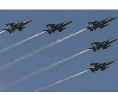<p><b>Indian air force aircrafts are in Bangalore</b>