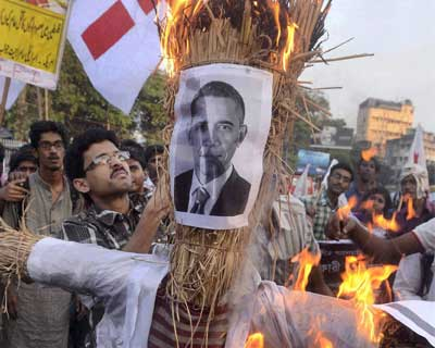 Student activists burn effigy of Obama