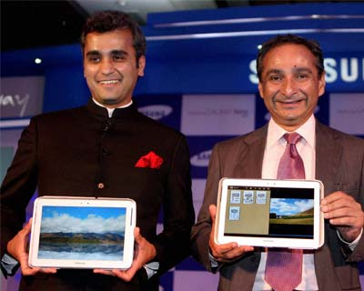 Samsung launches Galaxy Note 800