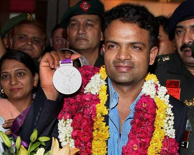 Vijay Kumar gets a grand welcome back home