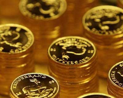 Gold slips in Europe as Greek bailout talks hurt euro