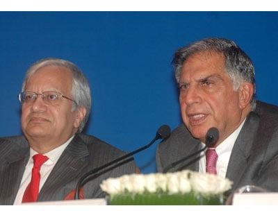 Ratan Tata (right) with Tata Motors Managing Director Ravi Kant, at the Tata Nano press conference <P> <b>Picture by Suryakant Niwate</b> <P>