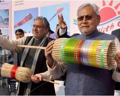 Modi, Nitish celebrate kite fest