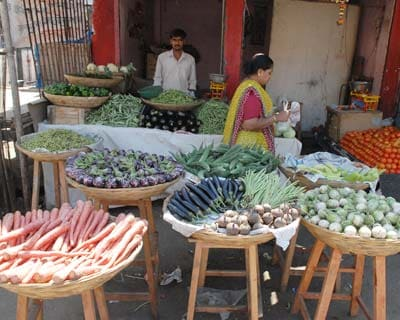 <b>Inflation rises marginally</b> <P> Inflation rose marginally to 0.31 per cent for the week ended March 21 as prices of certain food items such as tea, gur, aerated water and imported edible oil rose.