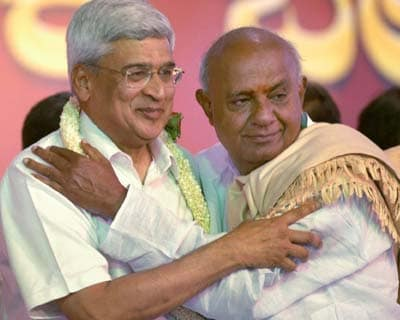 <b>Left, regional parties launch Third Front</b>