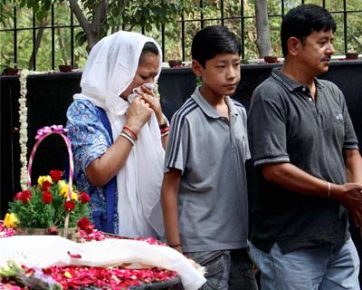 Relatives pay tributes to victimes of Uphaar fire tragedy victims